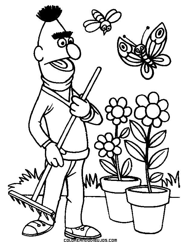 Blas arreglando el jardín