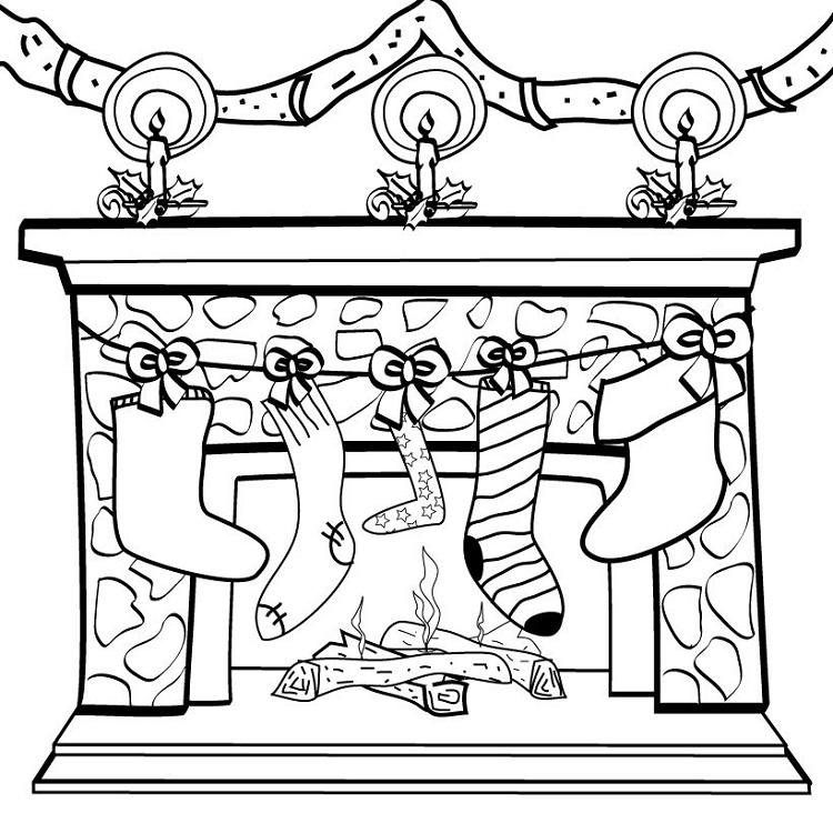 Calcetines colgados en la chimenea en Navidad