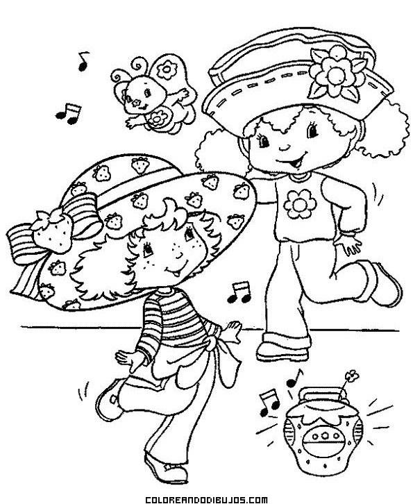 Fresita y su amiga se divierten bailando
