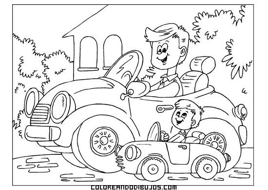 Papá y su hijo montando cada uno en su coche